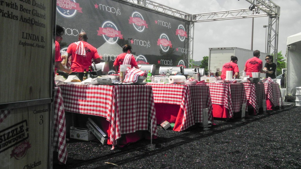 Contestants Grilling Away!